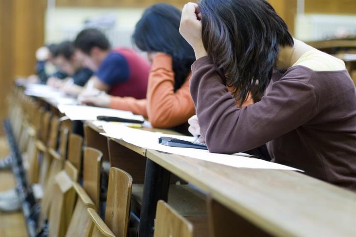 Η ηλεκτρονική υποβολή αιτήσεων για πανερμανιακές εξετάσεις επεκτείνεται